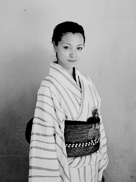 http://www.johan-attia.com/files/gimgs/38_la-femme-en-kimono.jpg
